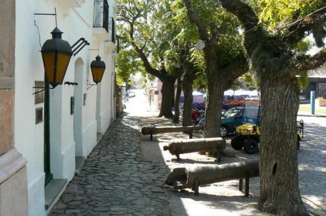 COLONIA DEL SACRAMENTO - Feriados Largos