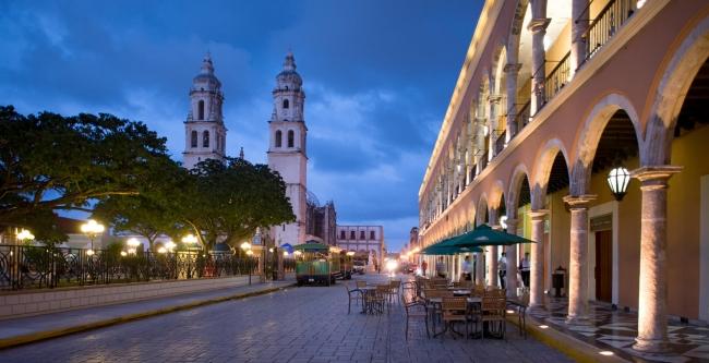 AZTECAS Y MAYAS, MEXICO